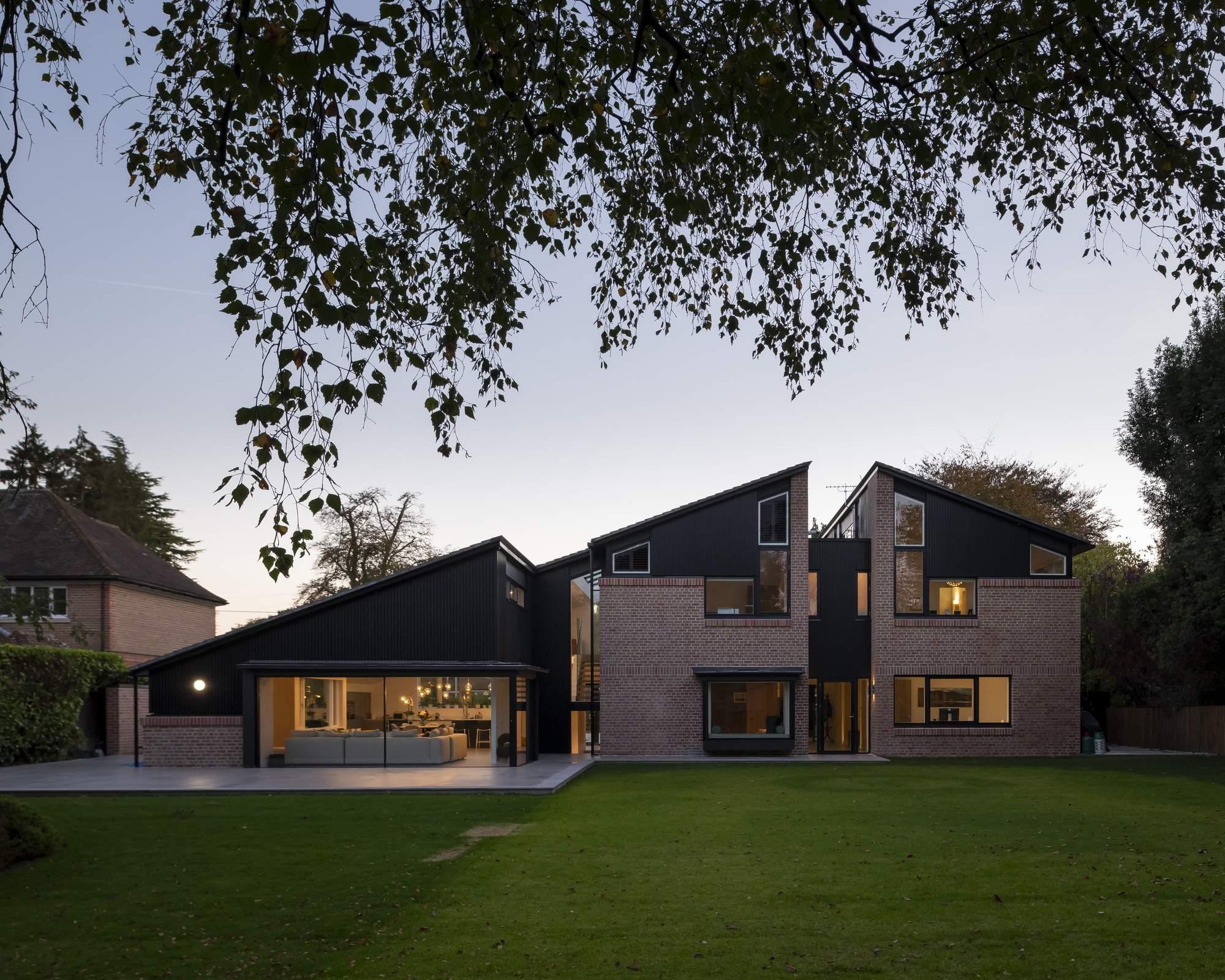 Дом, «разрезанный» на части, Великобритания