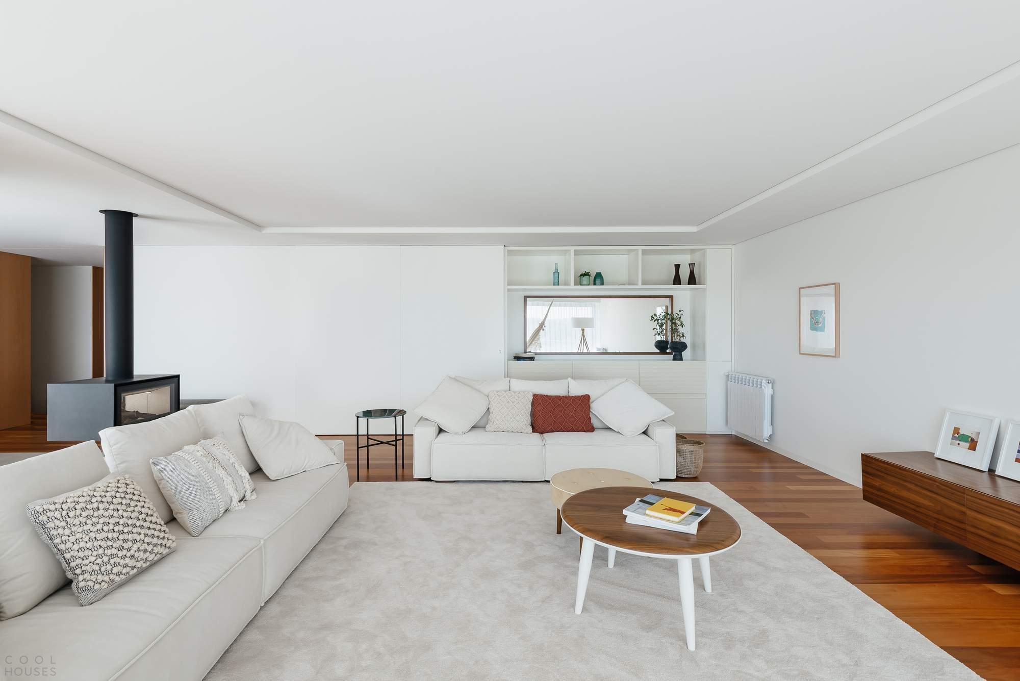 Минималистичные апартаменты с террасой, Португалия