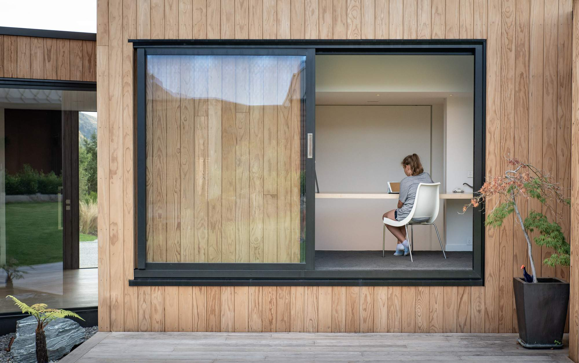 Скромный семейный дом, вдохновленный Южными Альпами, Новая Зеландия