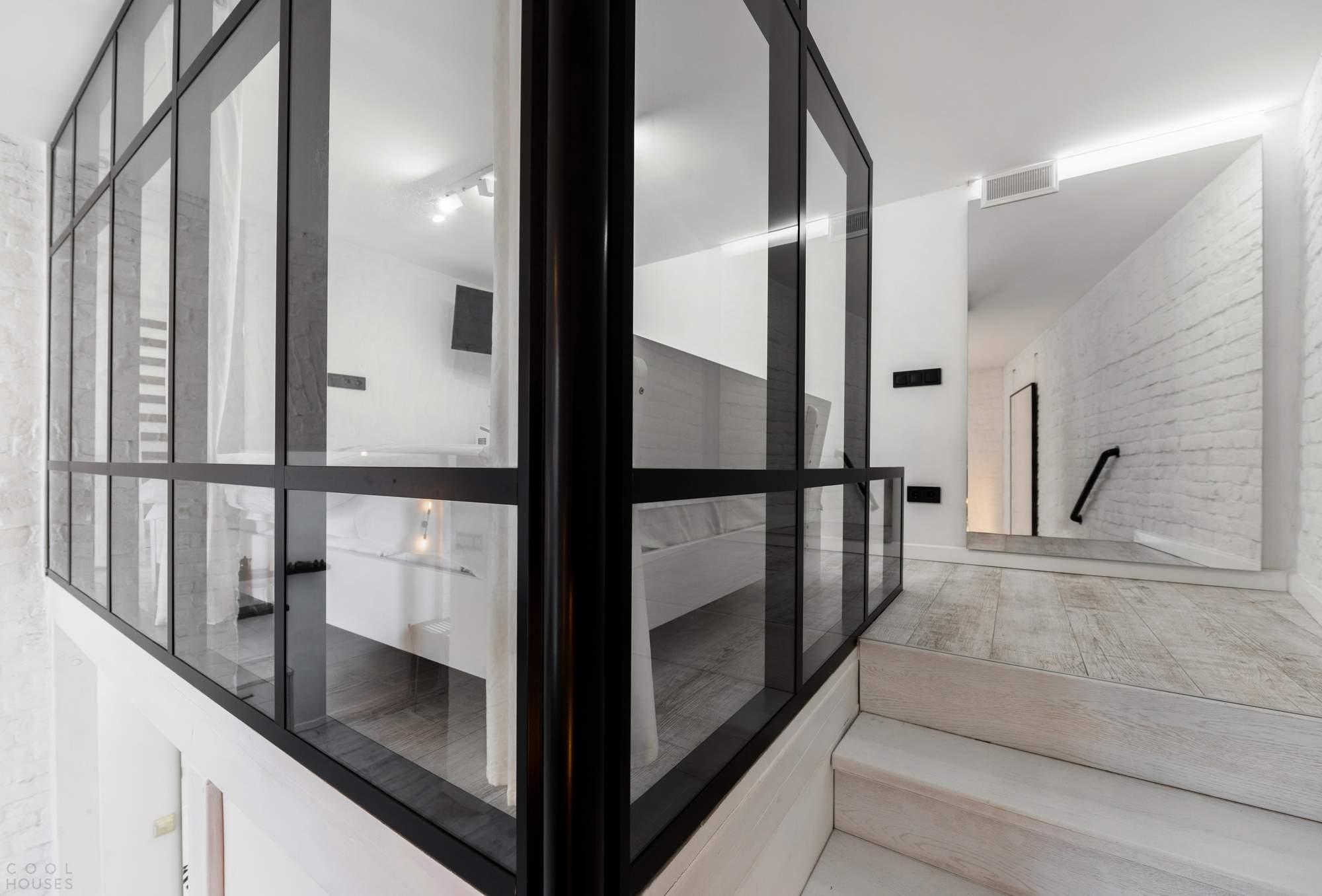 Стильный двухуровневый лофт, Украина