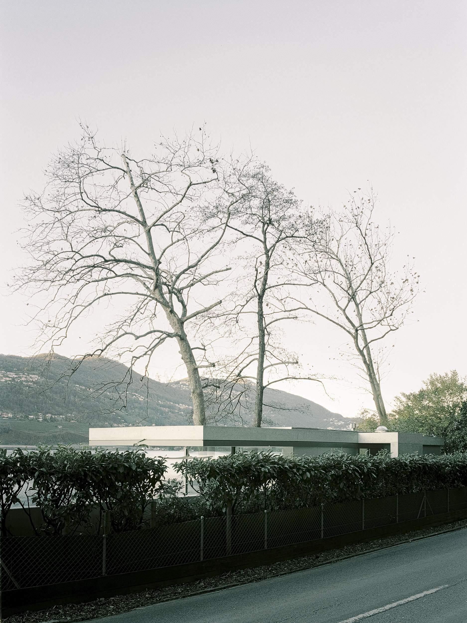 Резиденция для отдыха на живописном берегу озера в Швейцарии