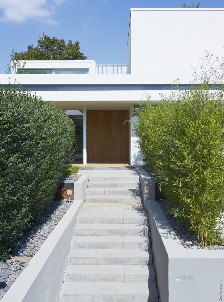 Дом бунгало с садом на крыше