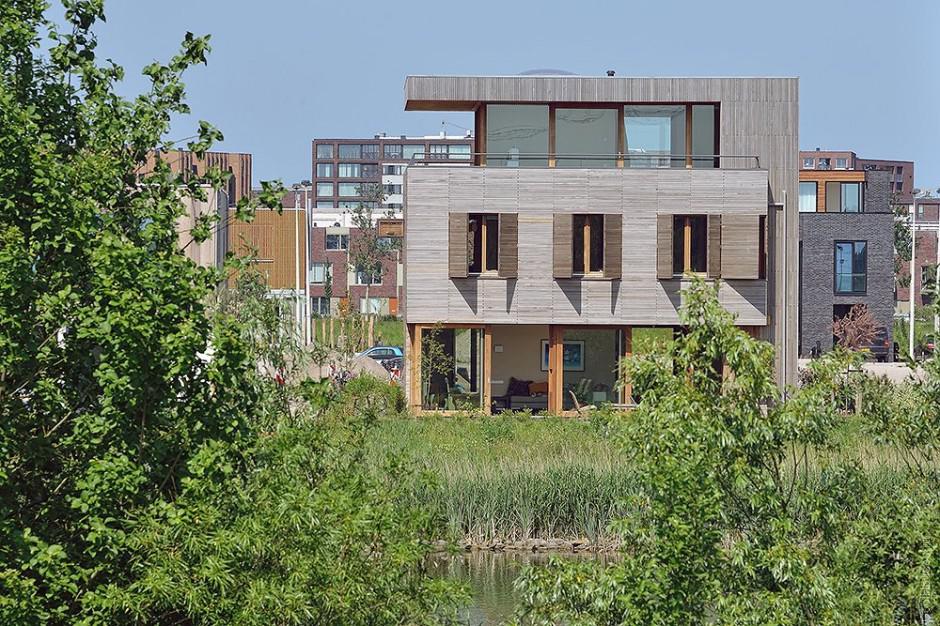 Большой дом в Амстердаме