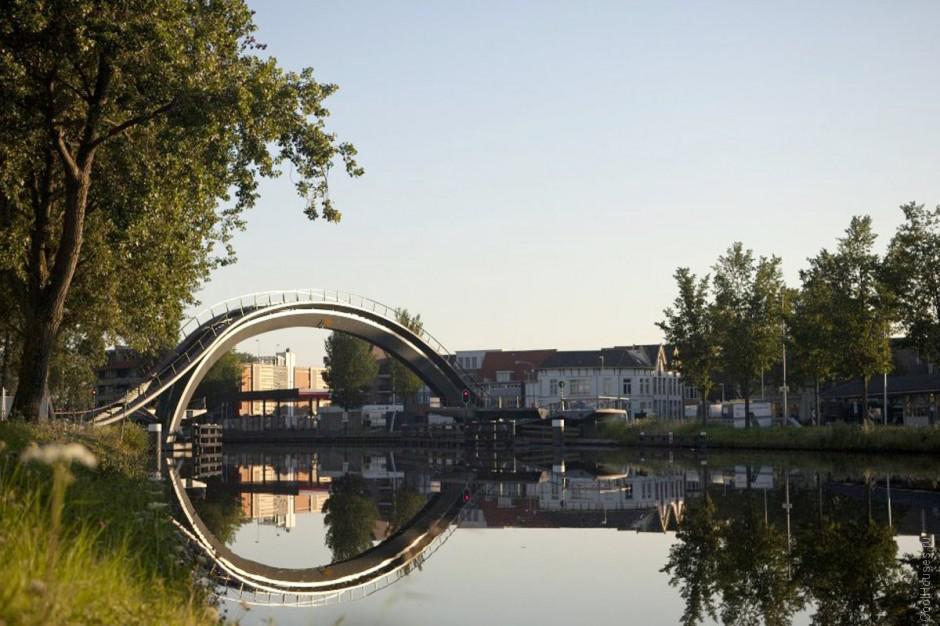 Оригинальный мост в Нидерландах