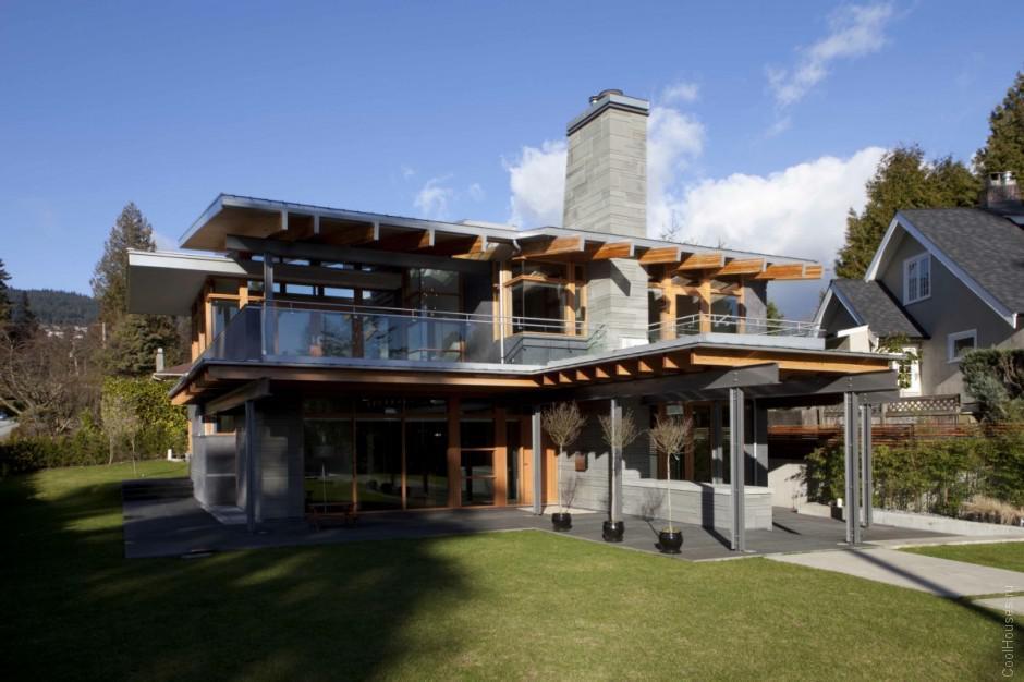 Вилла на склонах гор Ванкувера