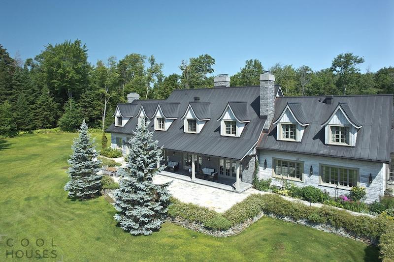 Потрясающий загородный дом с огромной территорией