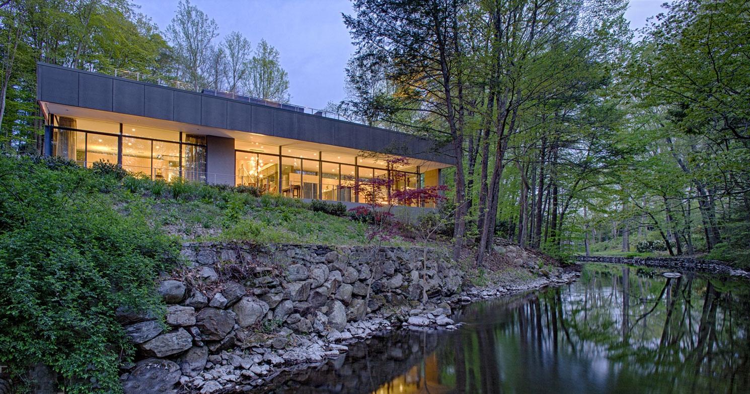 Современный дом по проекту архитектурного бюро Specht Harpman Architects