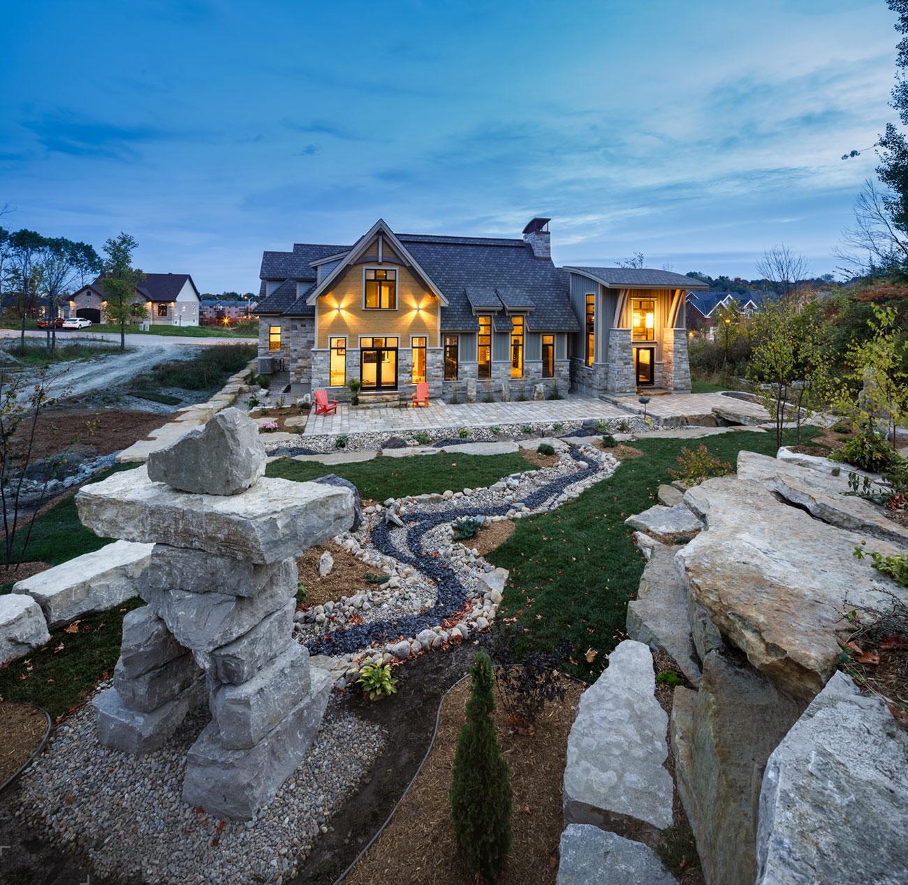 Современный каменный особняк в Канаде