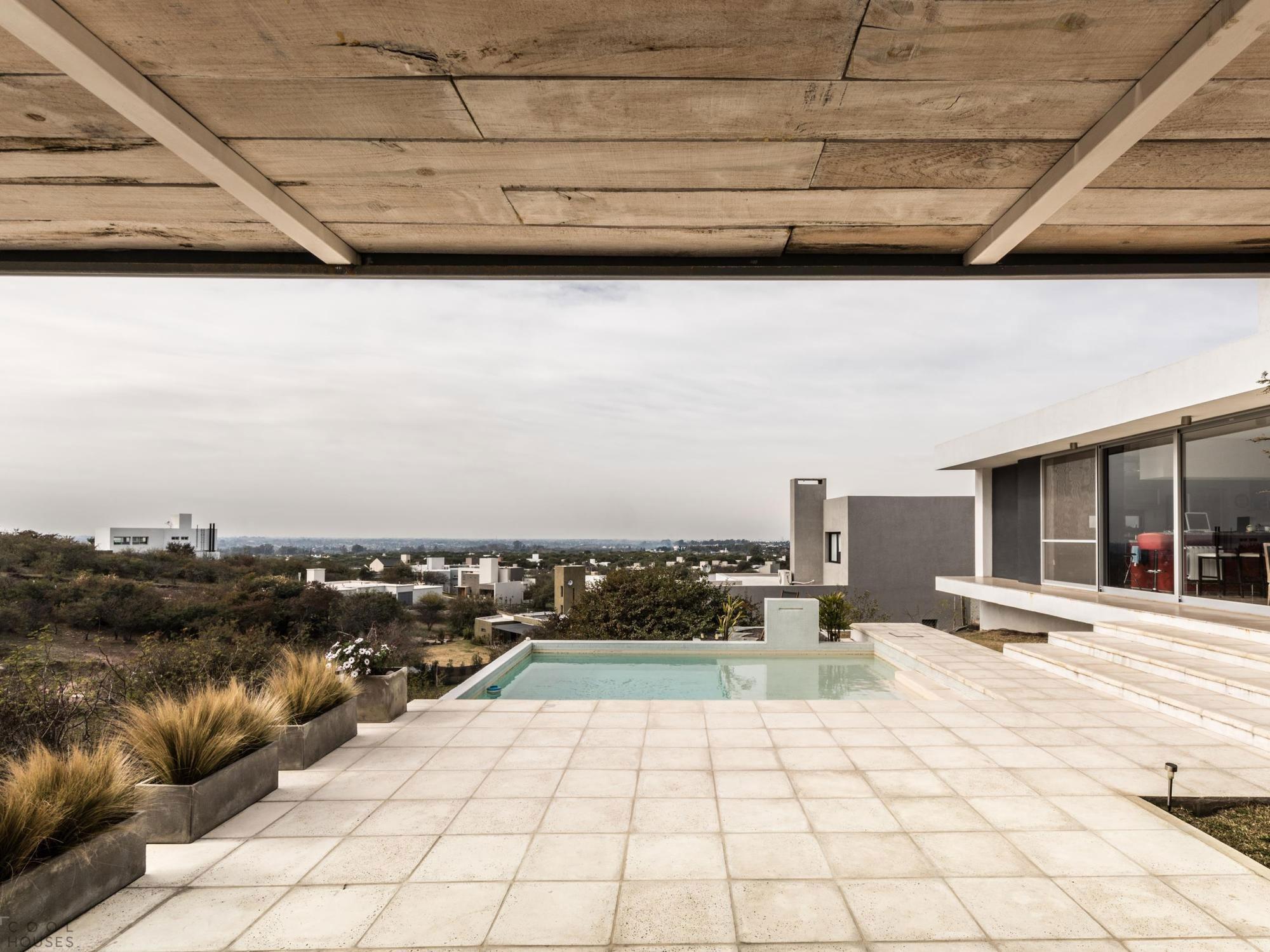 Загородный дом в стиле модерн в Аргентине