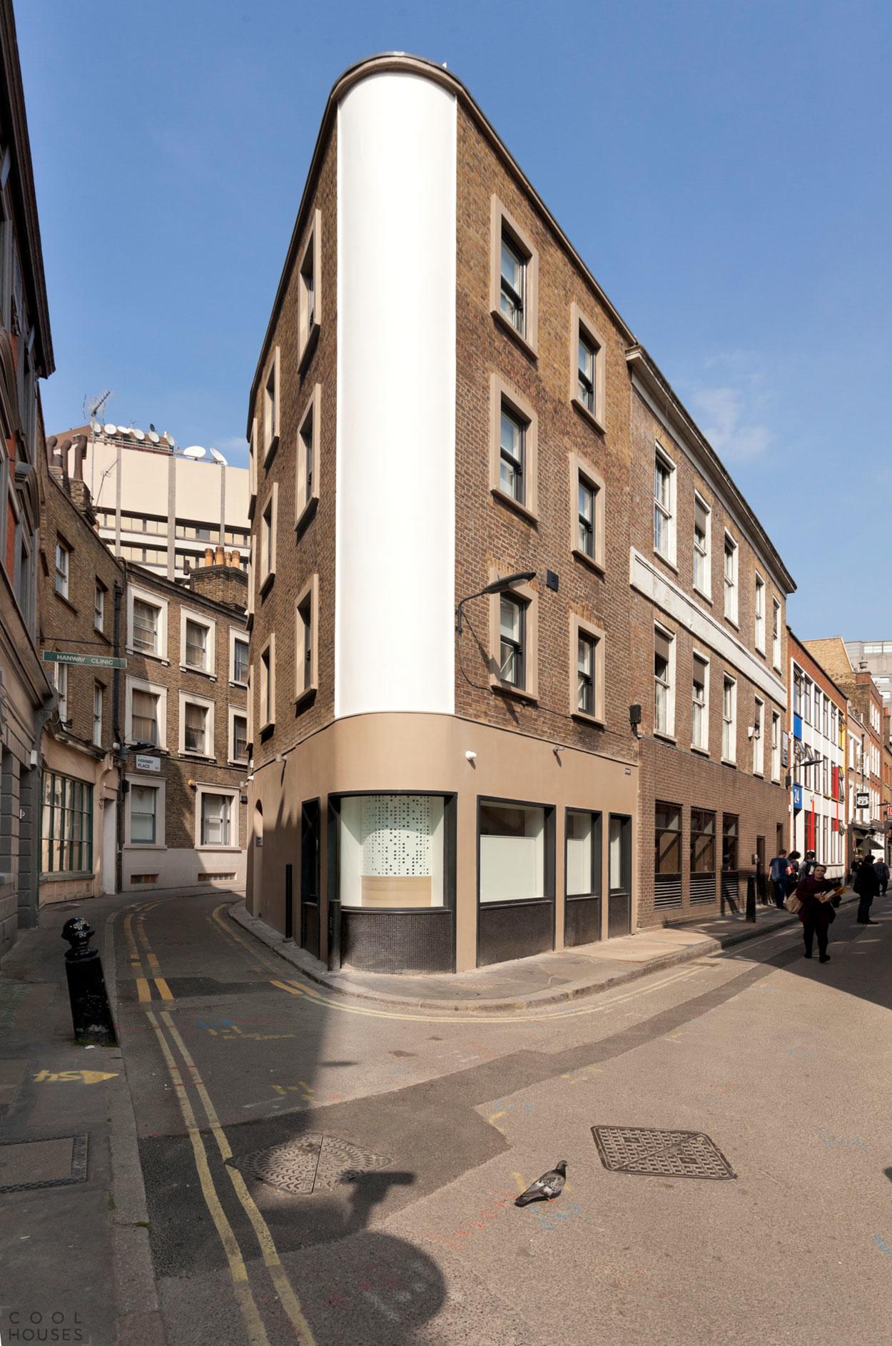 Дом-утюг (Flatiron House) в Лондоне