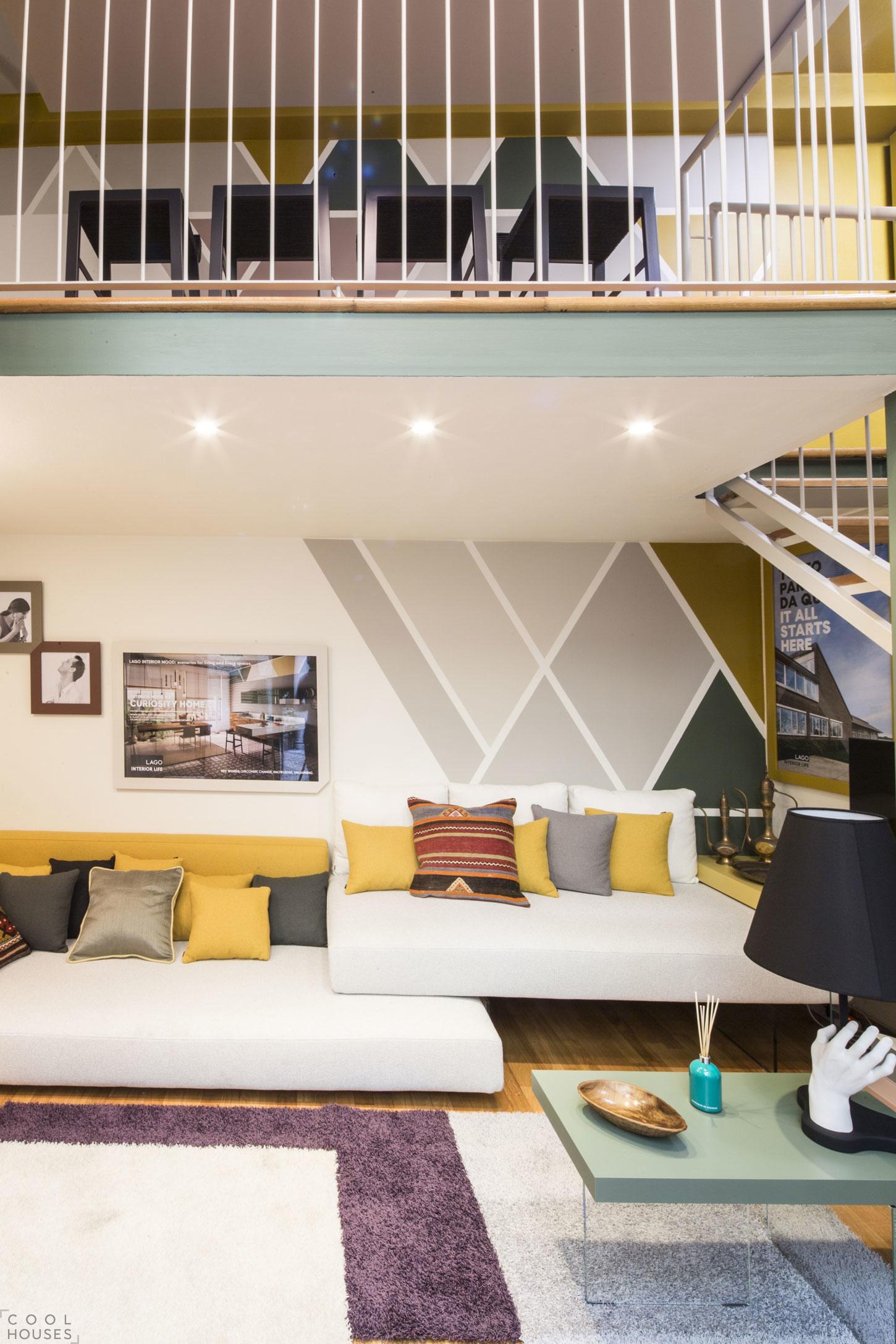 Элегантная двухуровневая квартира в центре Милана