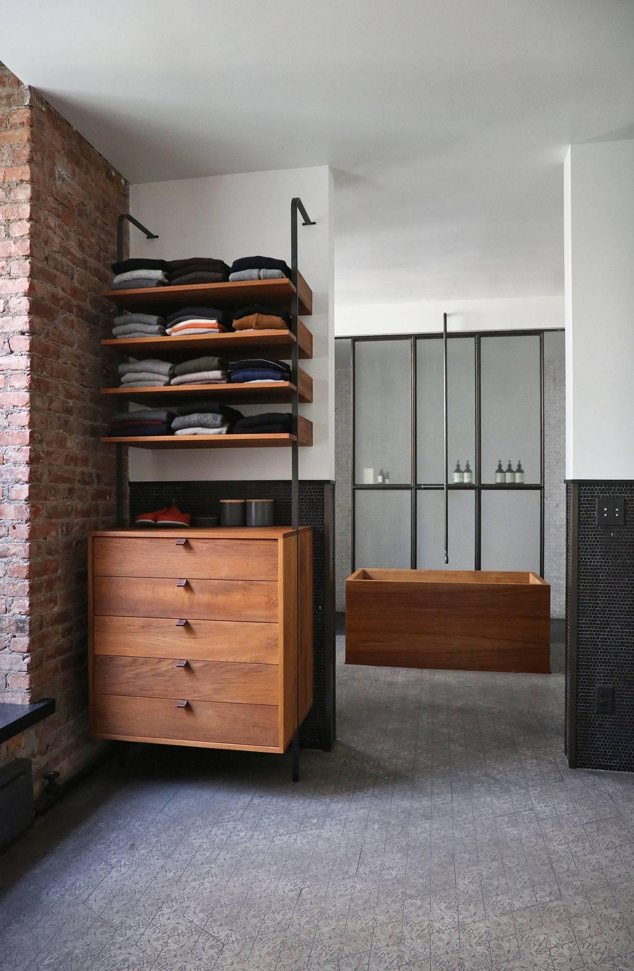 Квартира в стиле лофт с мебелью ручной работы в Нью-Йорке