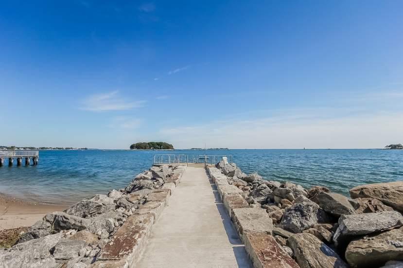 Потрясающий особняк за ,4 млн на берегу океана в США