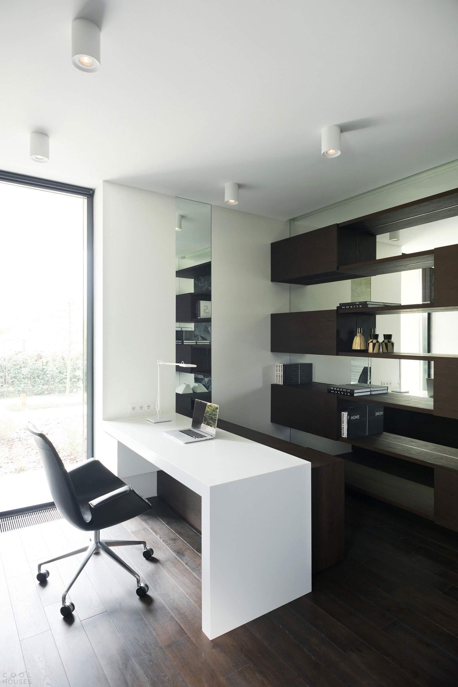 Современный дом с «мужским» интерьером в Подмосковье