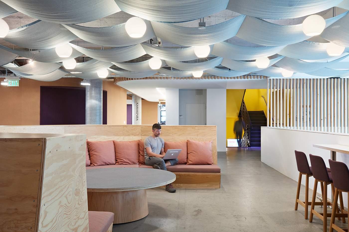 Новый офис интернет-сервиса Airbnb в Сан-Франциско, США
