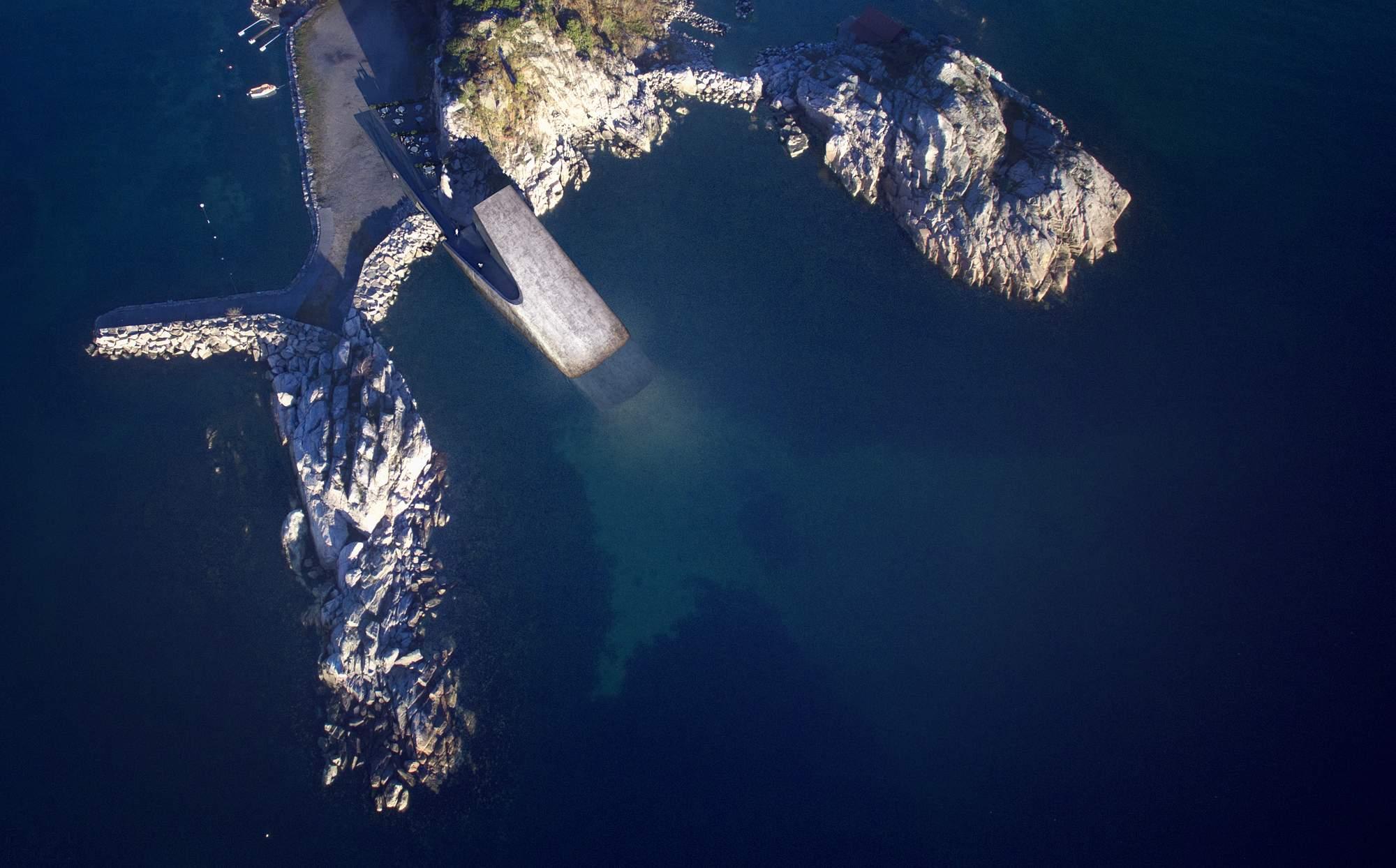 Подводный ресторан «Under» в Норвегии