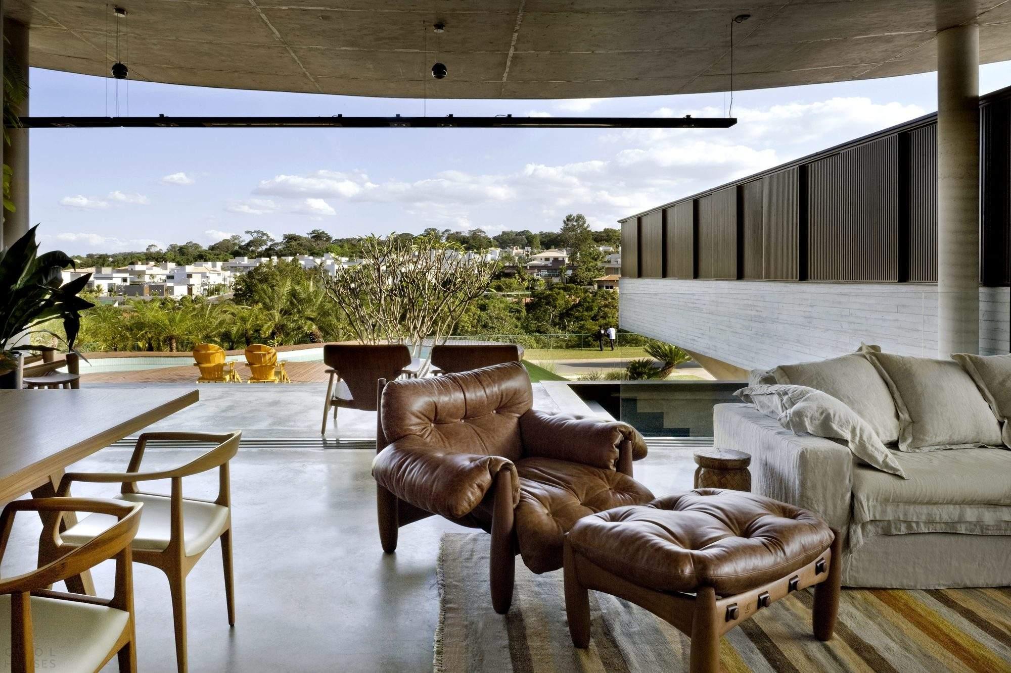 Резиденция с модернистской привлекательностью в Бразилии