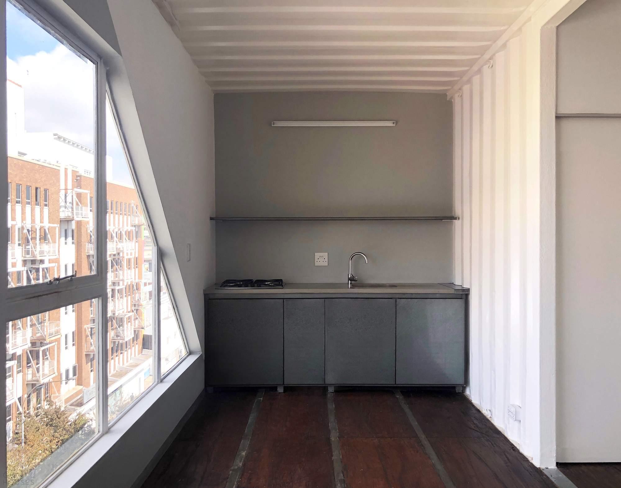 Многоквартирный дом из контейнеров в Йоханнесбурге, Южная Африка