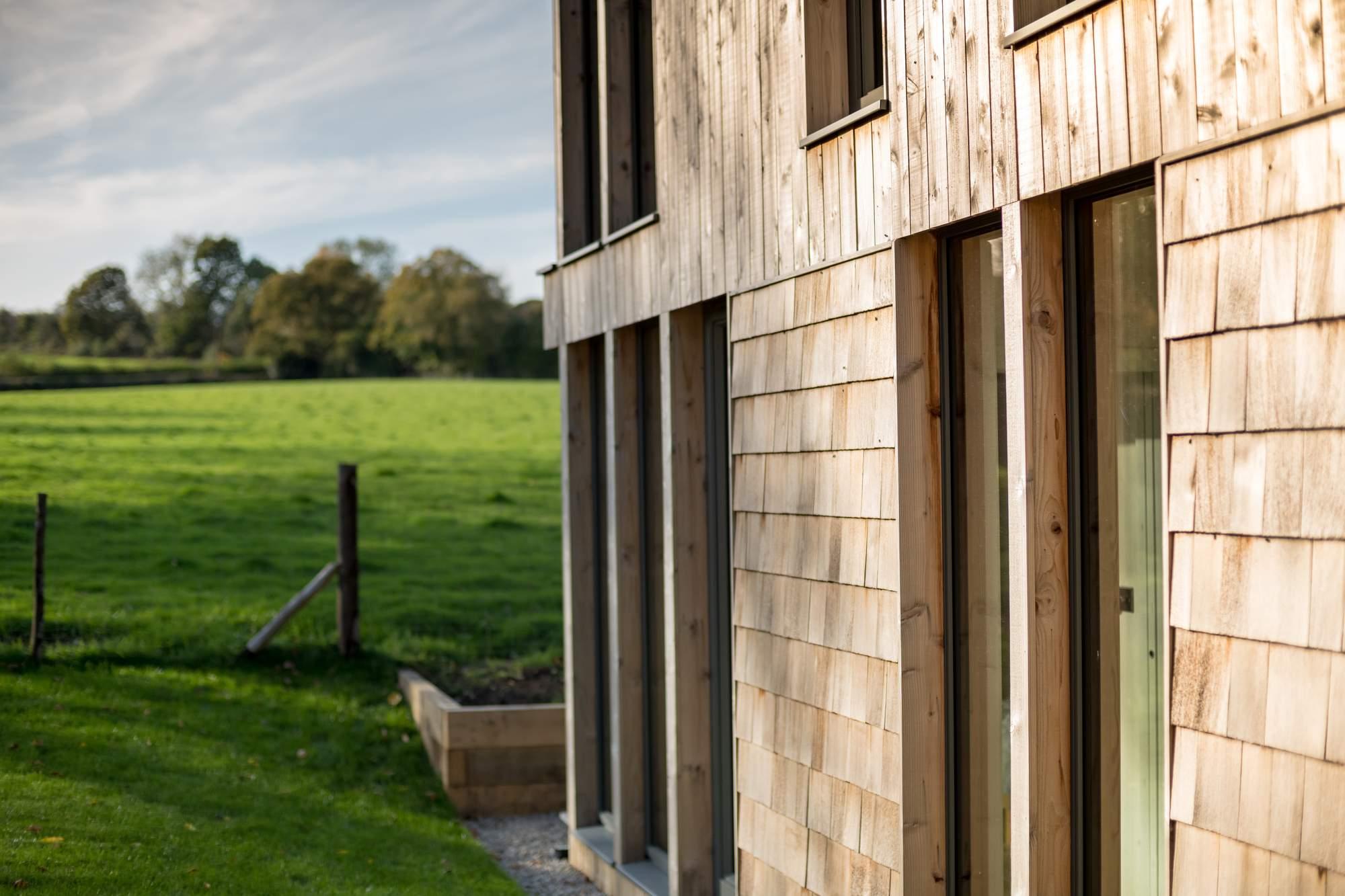 Современный коттедж вместо старого бунгало на юге Англии