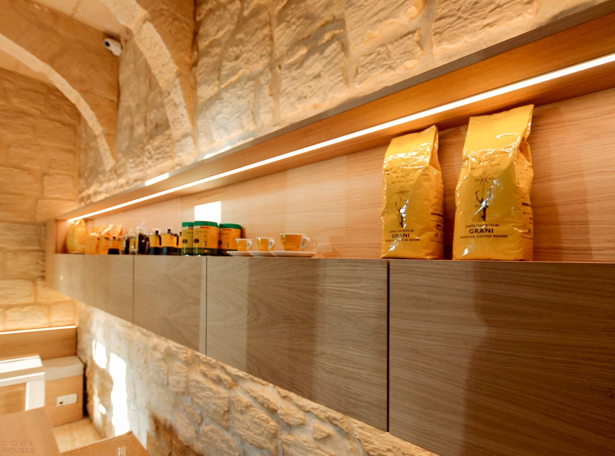 Дизайн кафе, передающий характер деревенской жизни Средиземноморья, Мальта