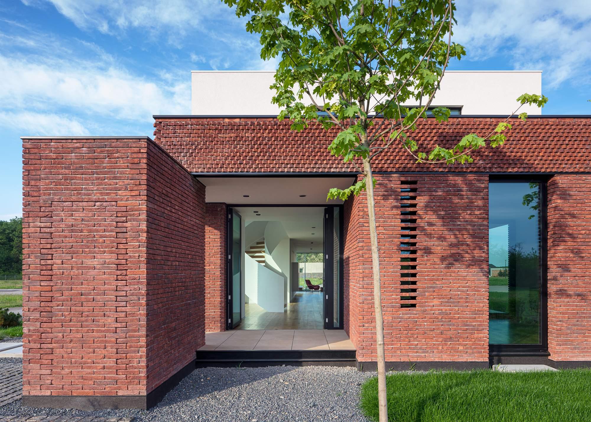 Стильный семейный дом от STUDIO 1408, Румыния