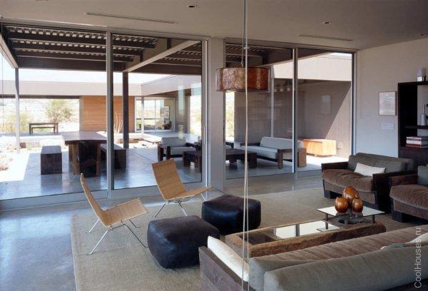 Дом в пустыне