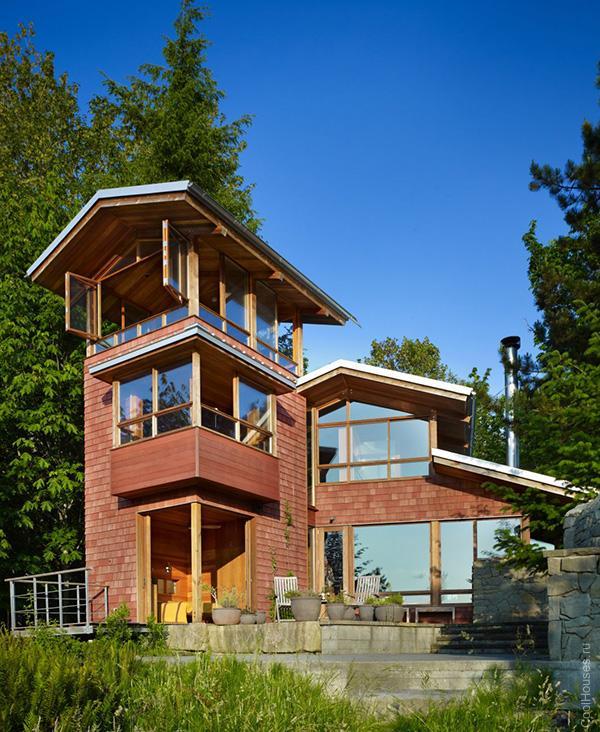 Красивый кирпичный дом