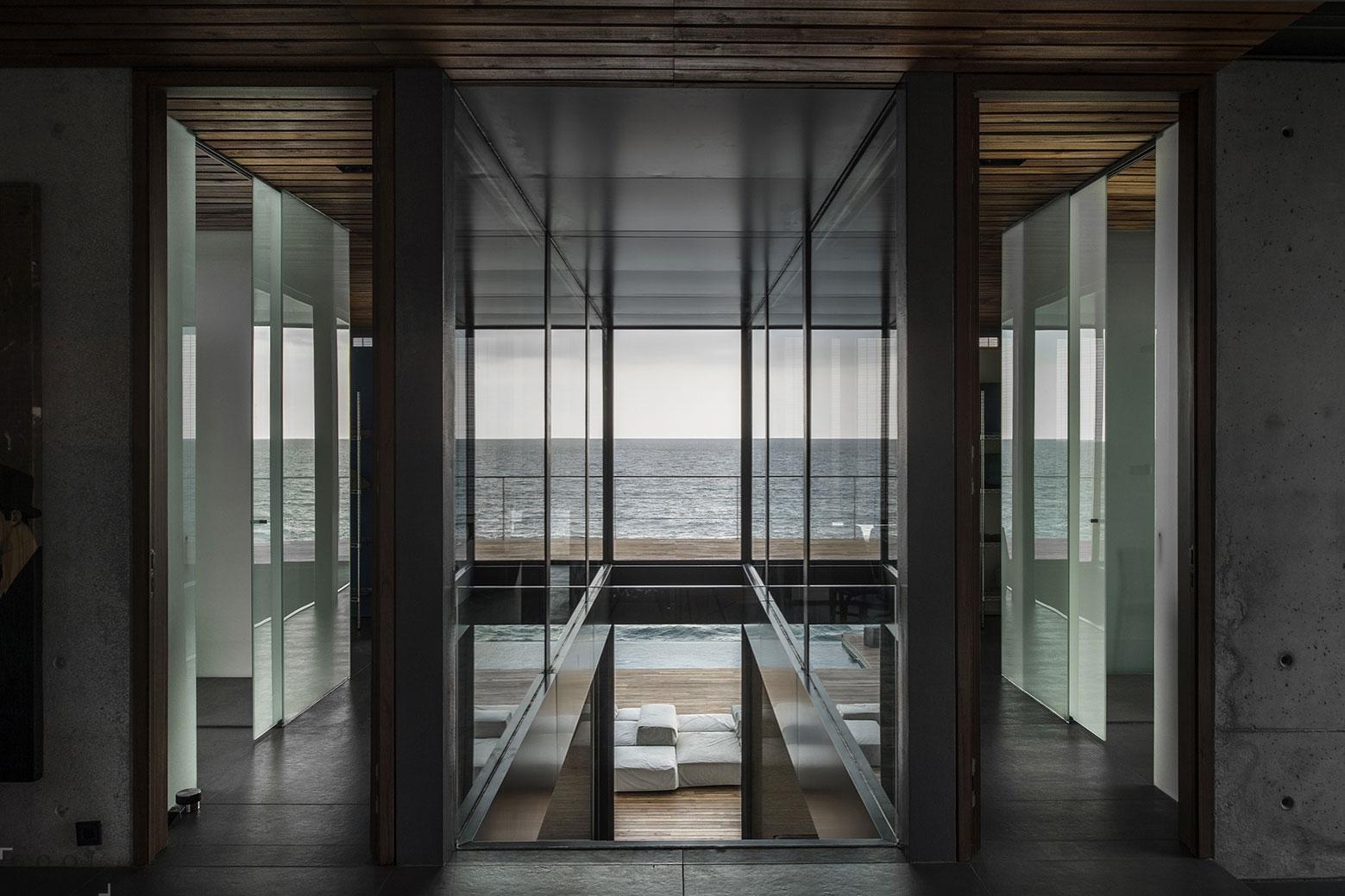 Необычная частная резиденция на берегу Средиземного моря
