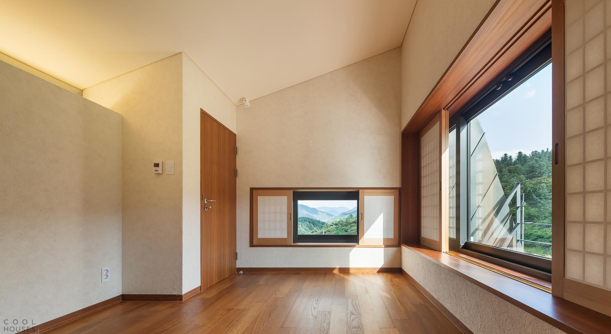 Оригинальный наклонный дом в Сеуле
