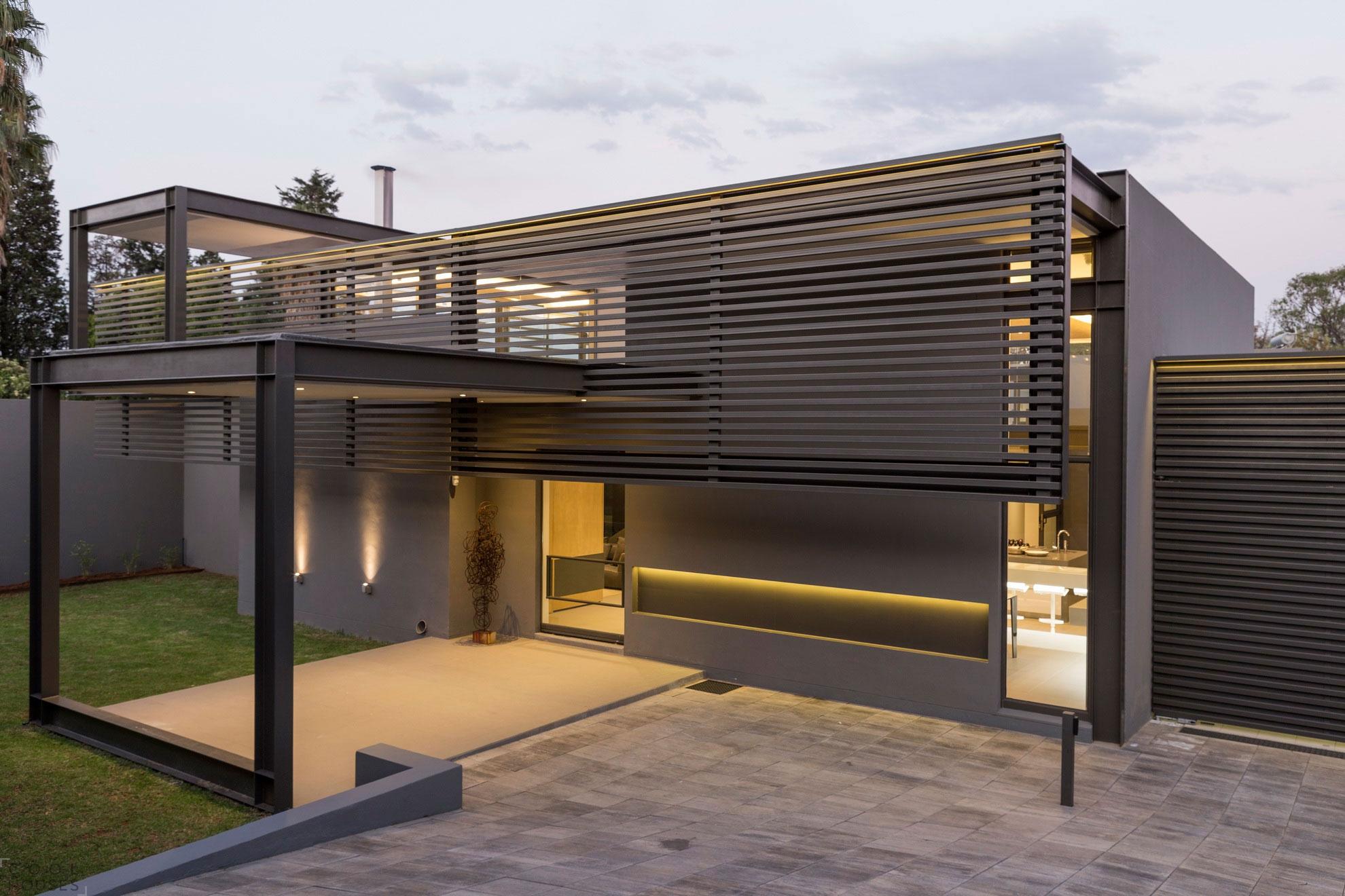 Проект роскошного дома в пригороде