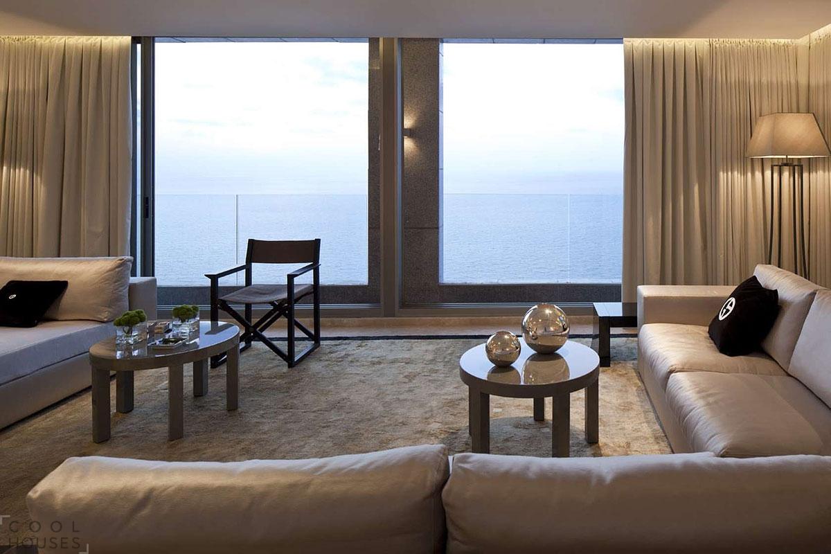 Роскошный двухэтажный пентхаус площадью 300 кв. м.