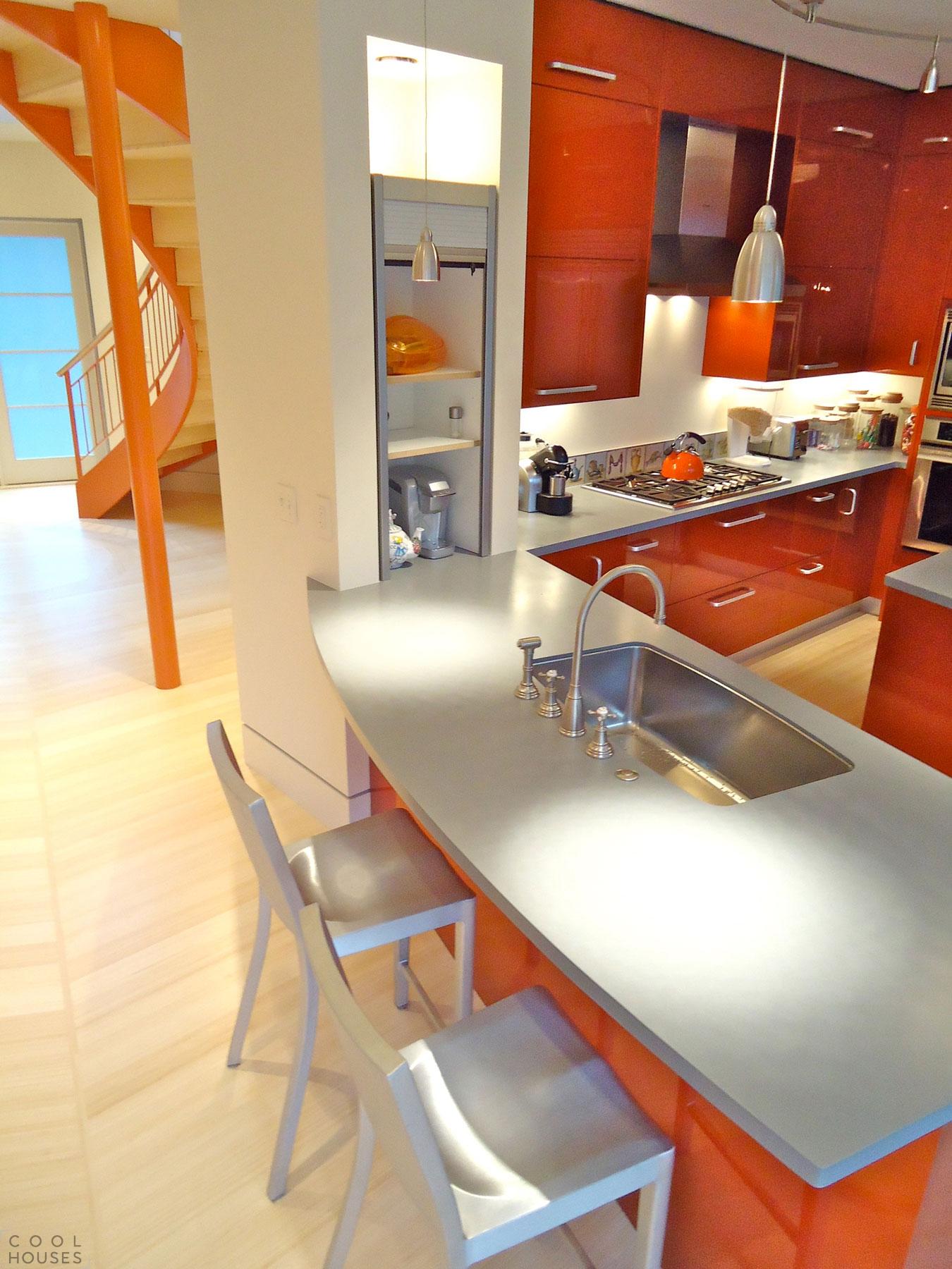 Современный экологичный дом разработан архитектором Бобом Августином