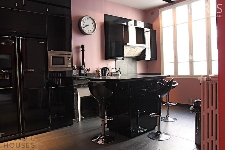 Стильный лофт с современным ярким интерьером
