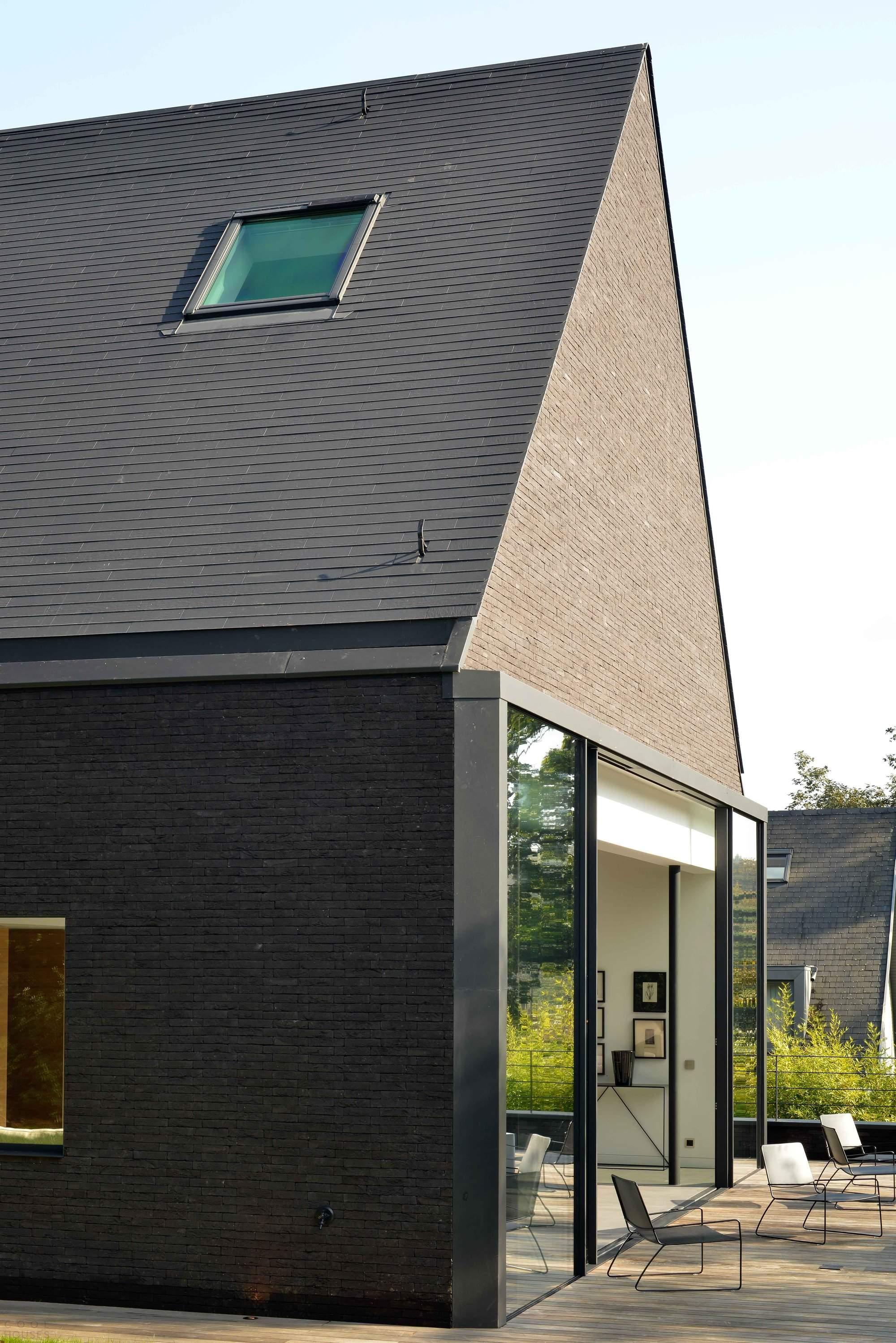 «Черная вилла» в Бельгии