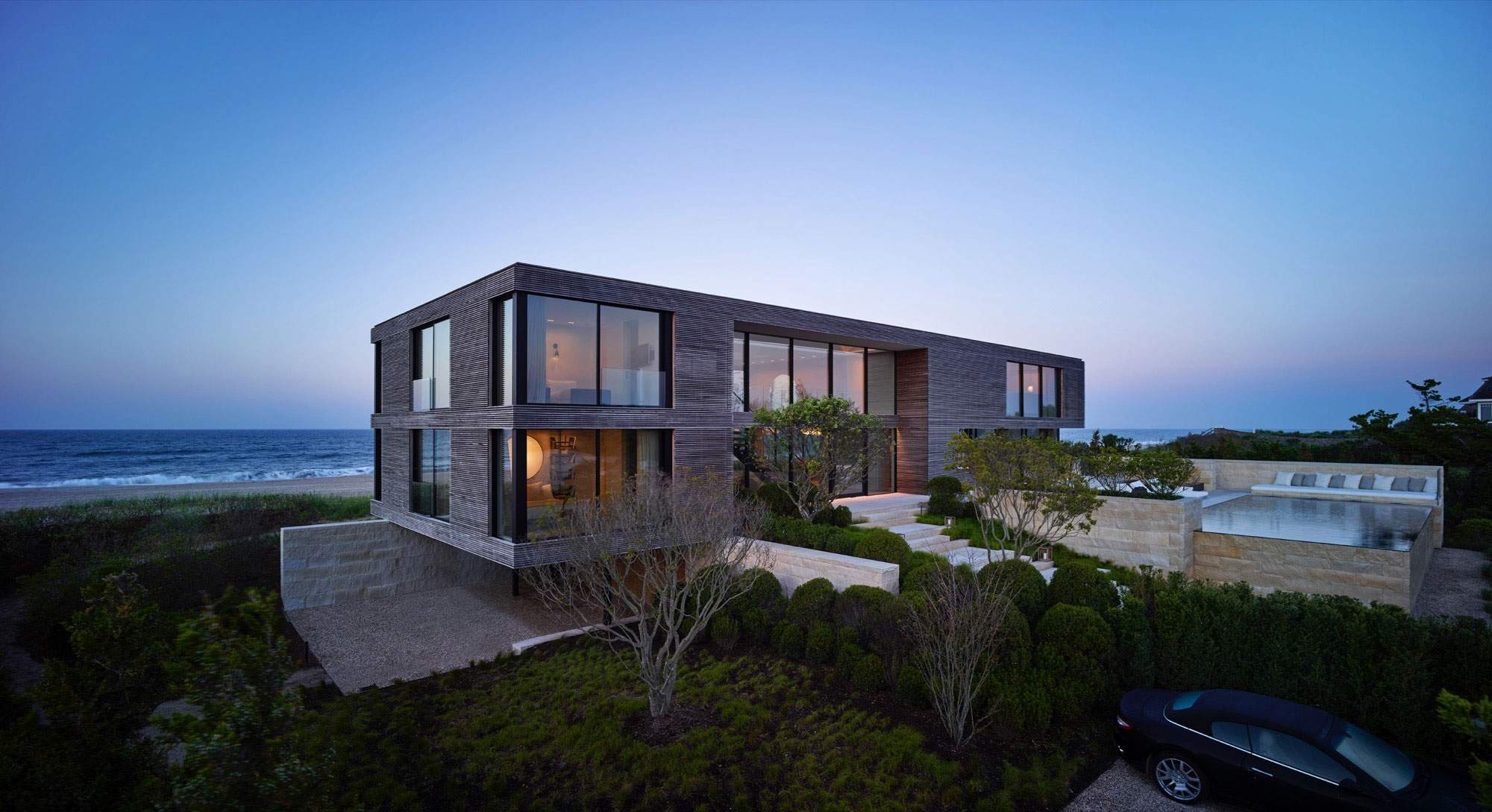 Хай-тек дом на берегу океана