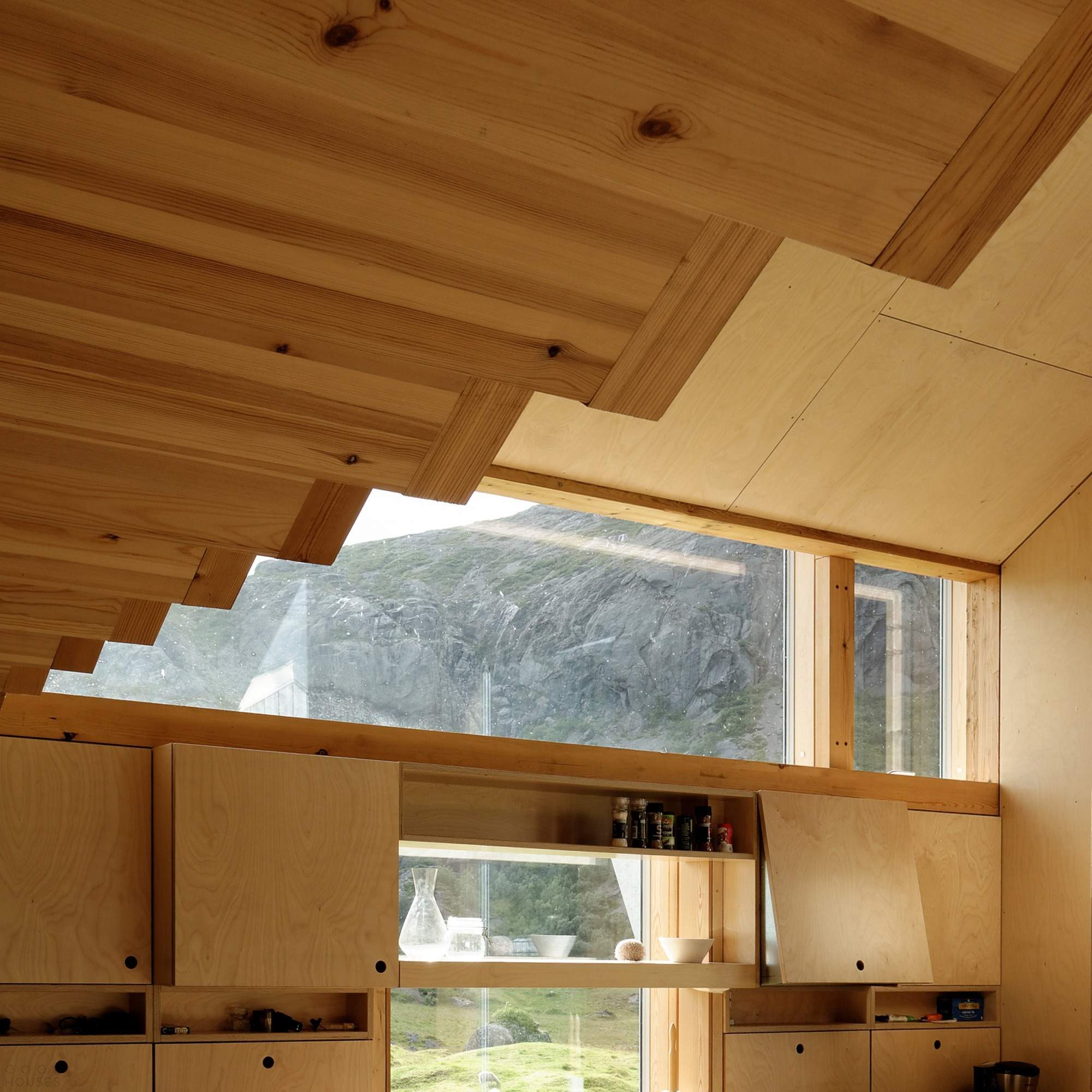Реконструкция старого дома на Лофотенских островах в Норвегии