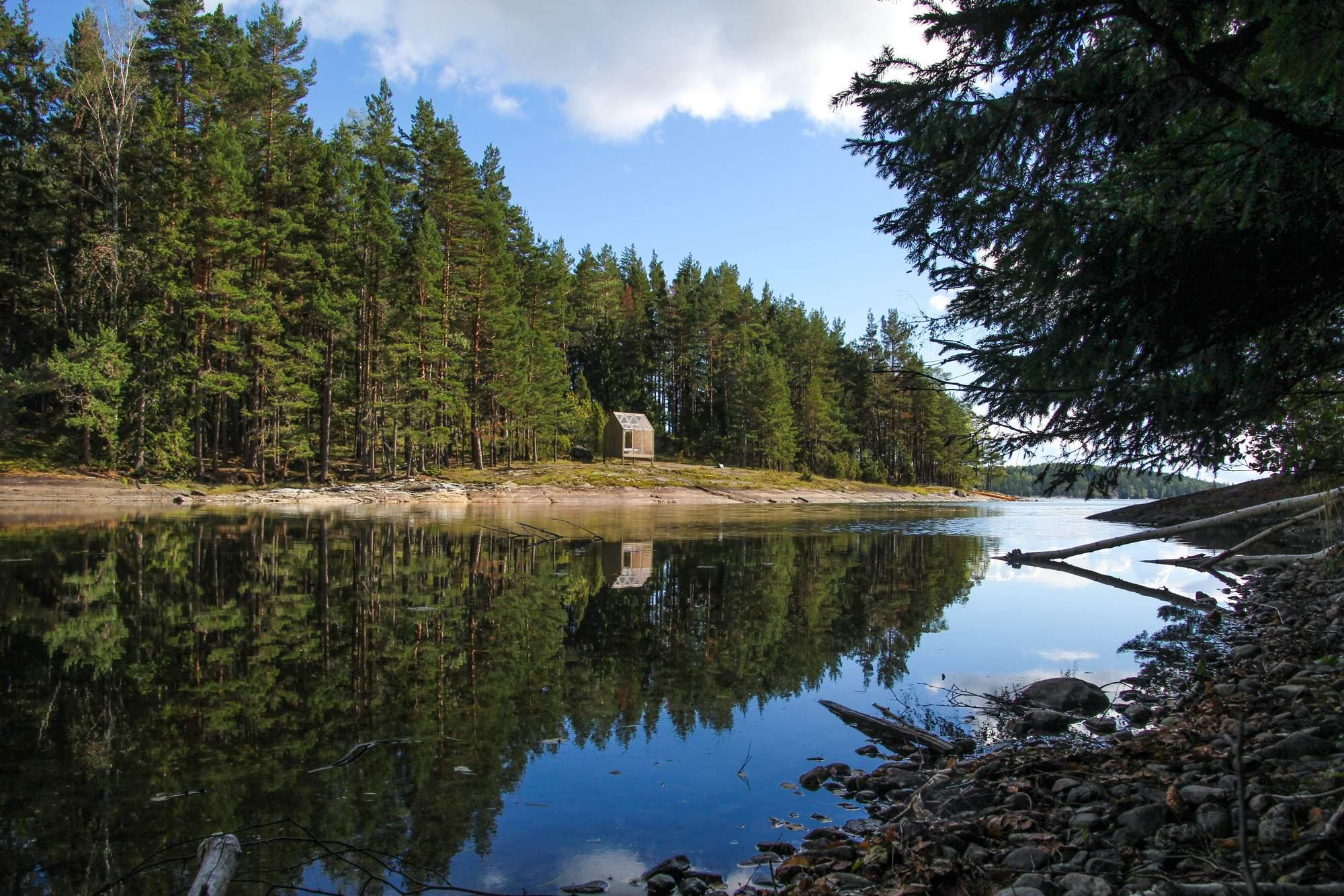 Маленький летний домик на острове в Швеции