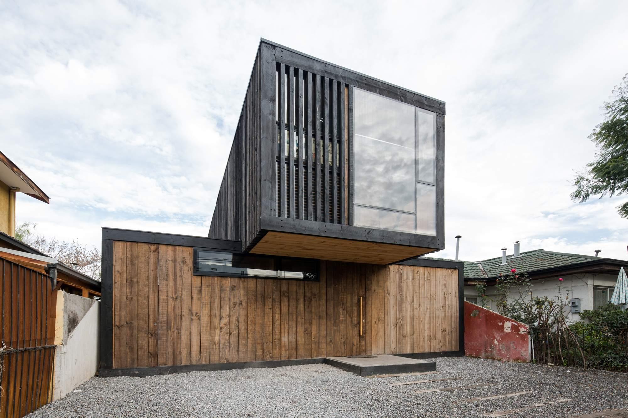 Реконструкция заброшенного дома в Чили