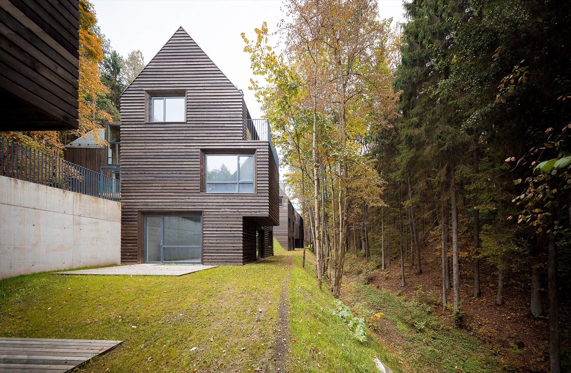 Семейный дом с монохромным интерьером в Вильнюсе, Литва