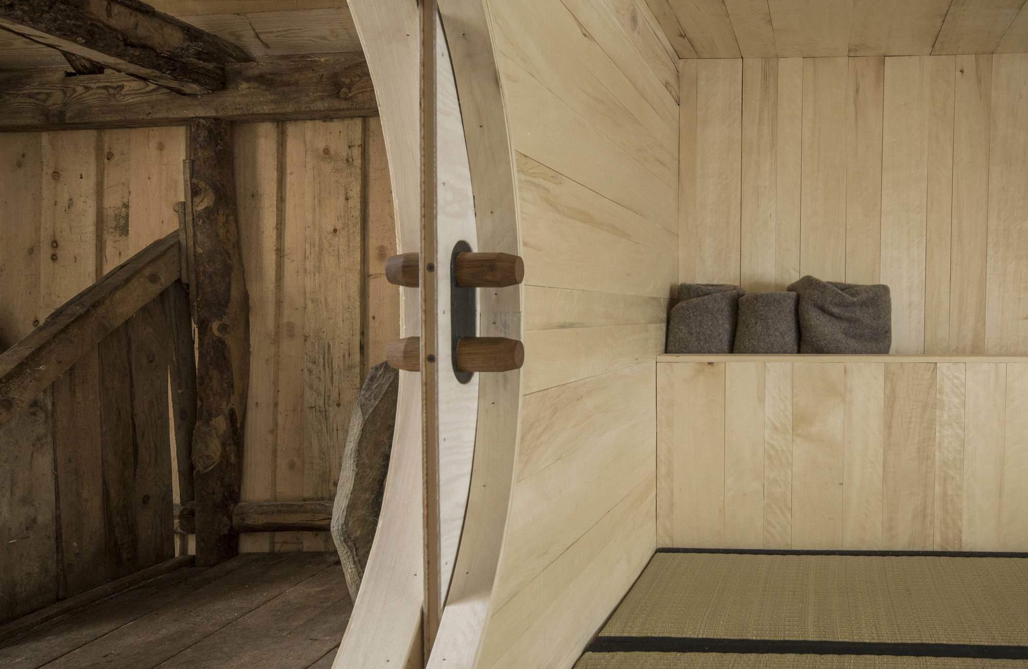 Трансформация старого амбара в гостевой домик в Норвегии