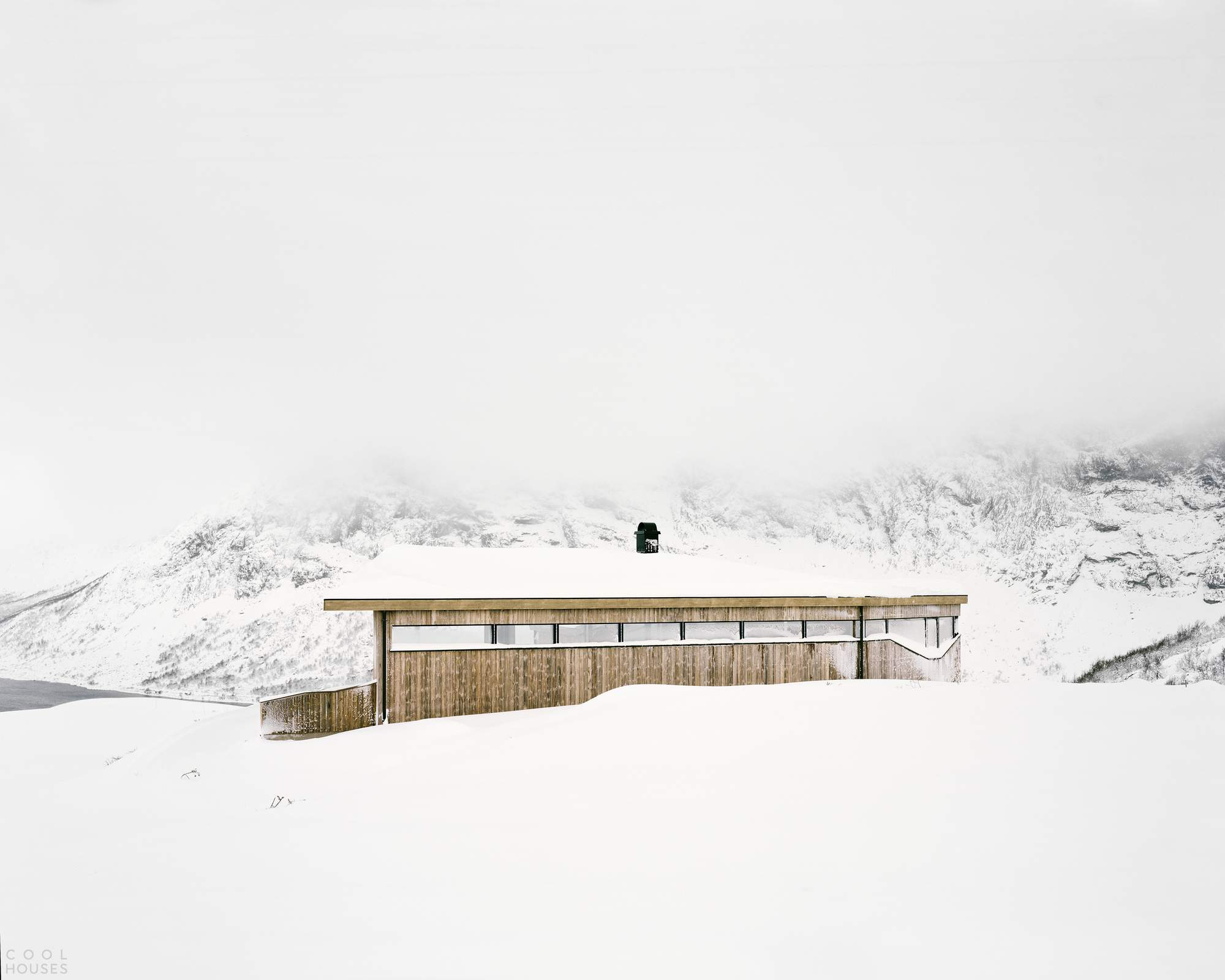 Сборный домик Gubrandslie Cabin в горах Норвегии
