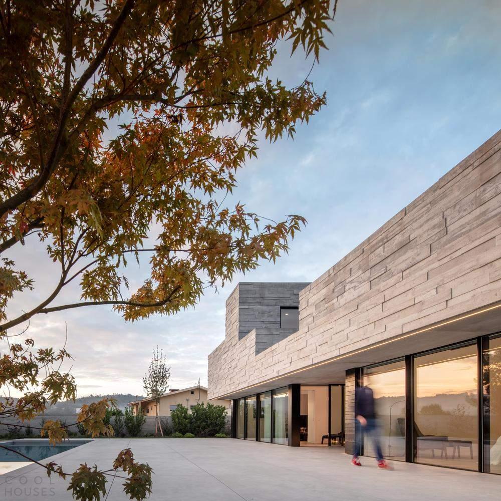 Семейная резиденция с большой библиотекой, Португалия