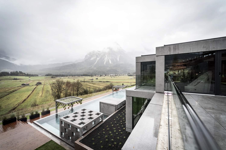 Спа-комплекс с «театральным» дизайном в Альпах, Австрия