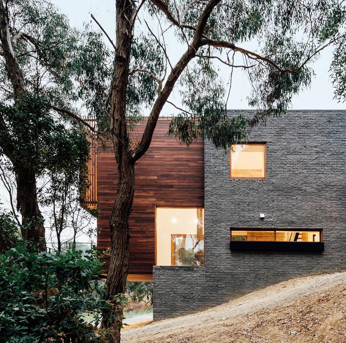 Загородный дом на крутом склоне, Австралия