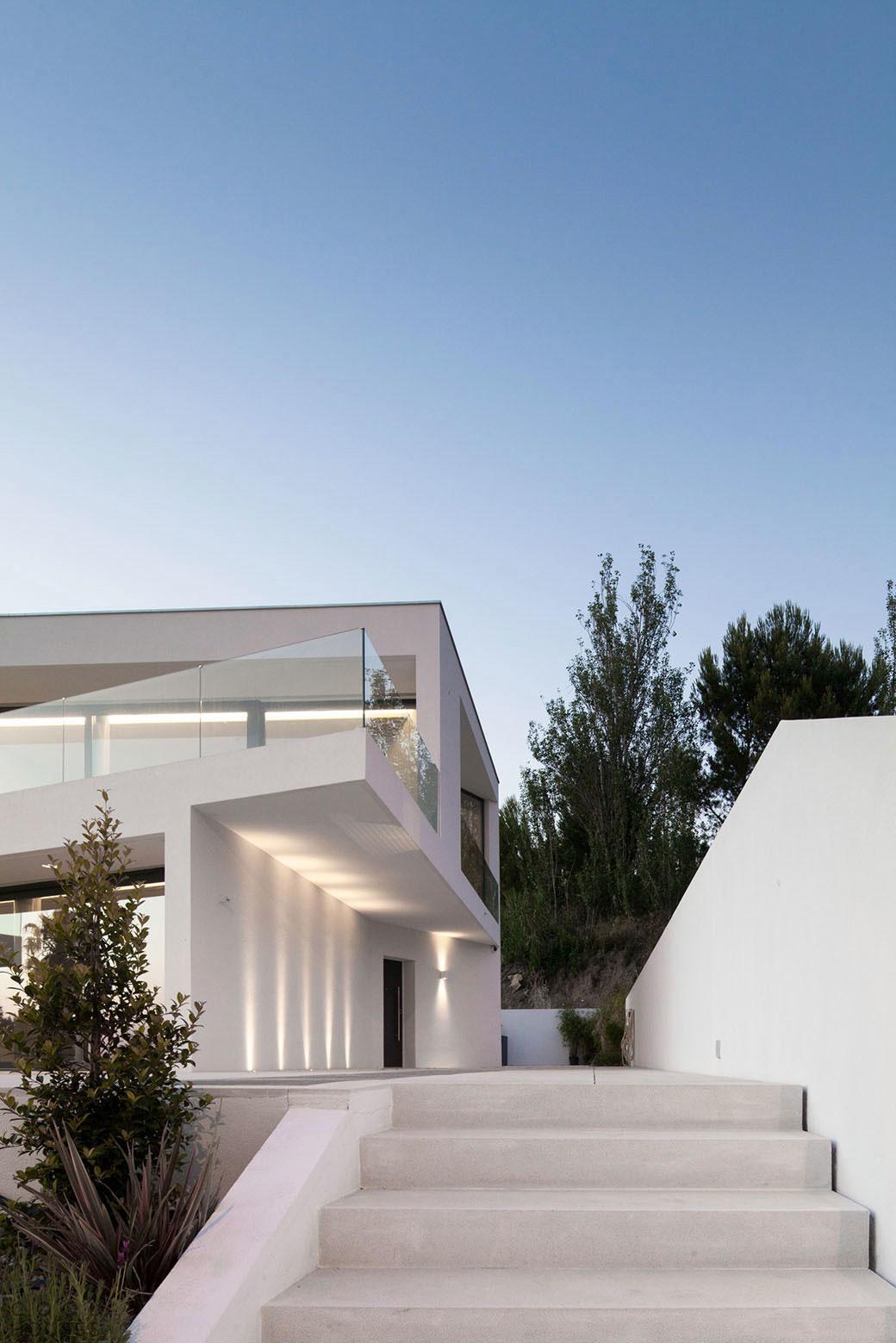 Вилла в стиле модерн в пригороде Лиссабона, Португалия
