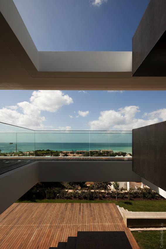 Дом в Португалии в стиле модерн