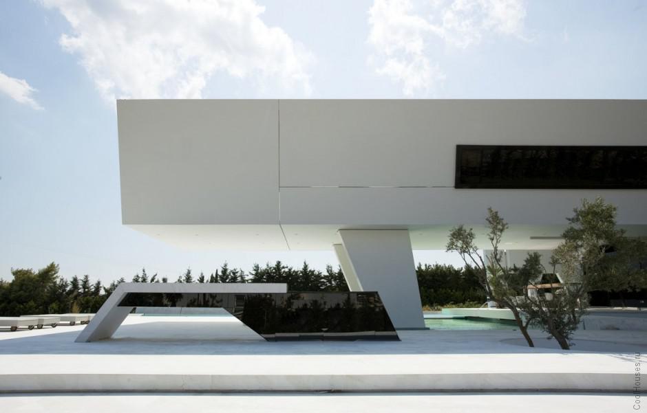 Дом в форме яхты в Греции