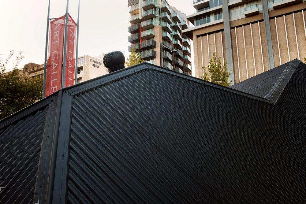 Экспонат выставки Иана Стренджа в Австралии