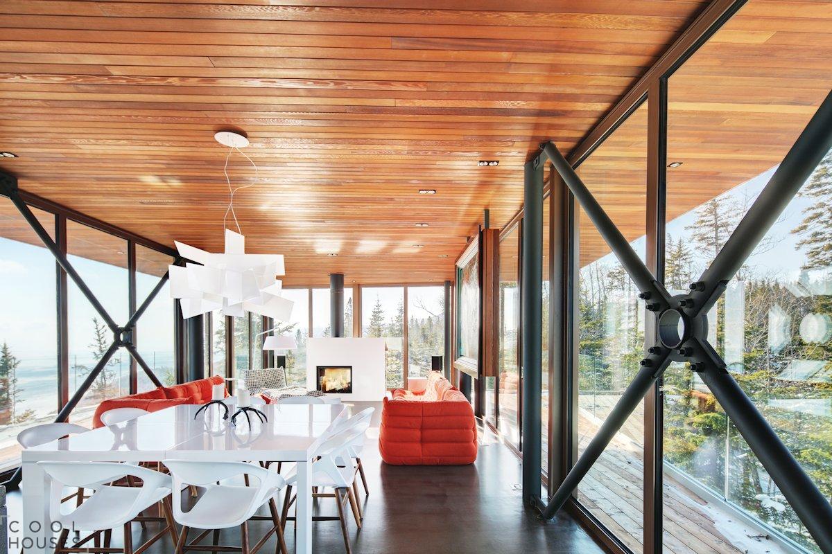 Яркий дом Des Grands Jardins в Канаде, Квебек