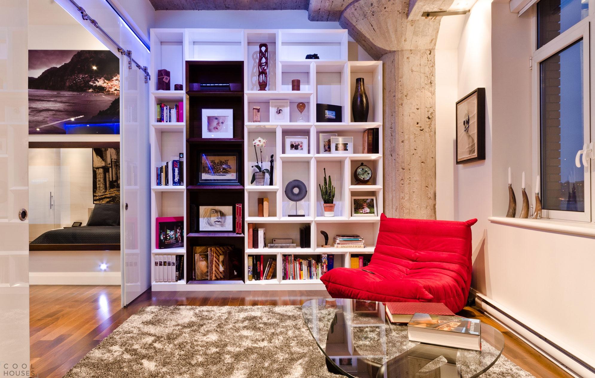 Квартира-лофт с уникальным дизайном в старинном районе города Монреаль